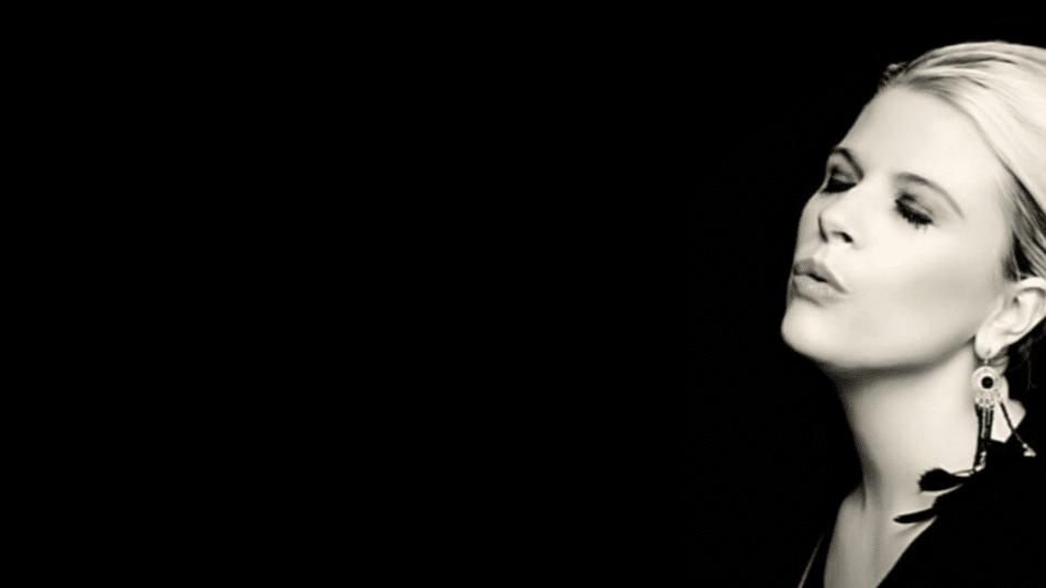 Niamh Strong Sings Eva Cassidy